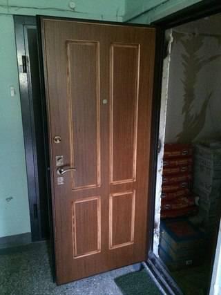 изготовление металлическую дверь в квартиру